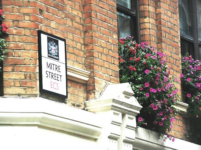 London Mitre Street EC3